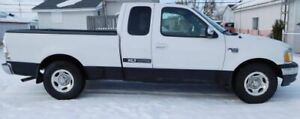Ford F150 XLT 2002 4.6 litres 2X4