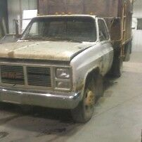 87 2wd dually for parts