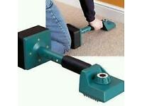 Carpet fitting stretcher tool