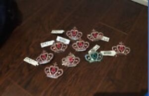 50 crown broches