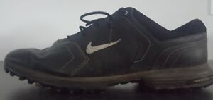 Nike size 11 golf shoe