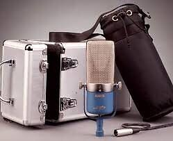 Apex 210 ribbon mic with case