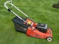 MOUNTFIELD EMPOROR 1980 MODEL WITH BRIGGS AND STRATTON ENGINE