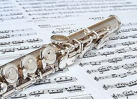FLUTE WANTED  (604 807 0560)