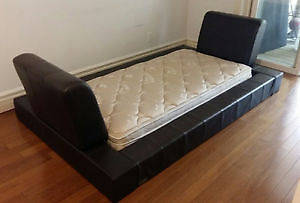 """Leather Padded """"Andy Warhol Style"""" Day Bed"""