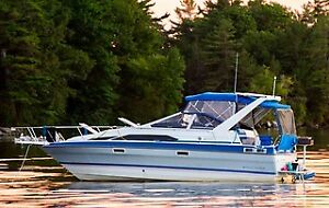 Wide body Family cruiser - 9.5 foot beam !  Great Boat !