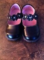 GENTLY USED LITTLE GIRLS SHOES SIZE 8