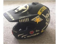 Moro cross helmet