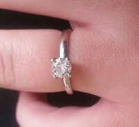 ~ * ~ Beautiful White Gold Solitaire Engagament Ring * ~ *