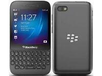 Blackberry Q5 Unlocked in Good Working Condition