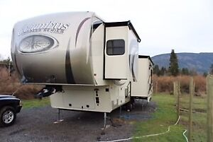 2016 35.5 ft Forest River Columbus 5th wheel 295rl