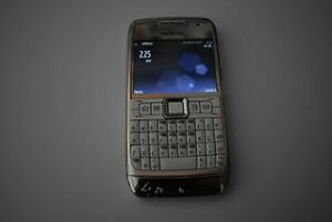 Nokia E71- Silver and White Clarendon Morphett Vale Area Preview