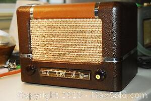 Spartan Vintage Radio