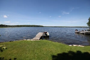 Waterfront Home / Cottage for Rent Peterborough Peterborough Area image 2