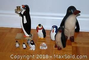 Penguin Figurines Decor A