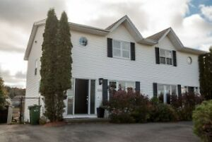 PRICE IMPROVED! Move in ready townhouse, Millidgeville!