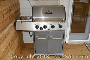 Broil Mate BBQ with 2 Propane Tanks C