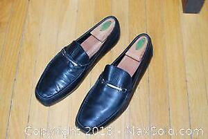 Men's Hugo Boss black dressing loafers size 9.5