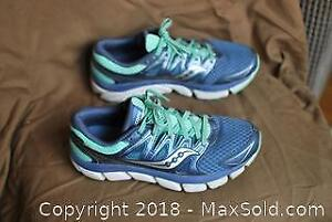 Ladies running Saucony shoes size 8.