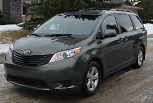 2012 Toyota Sienna Minivan, Command Start, Hitch, Bluetooth