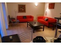 2 Bedroom apartment with secure parking and outdoor space