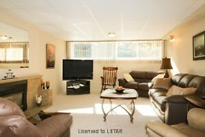 EXCELLENT RENOVATED NORTH 3 BEDROOM -DOUBLE GARAGE London Ontario image 7