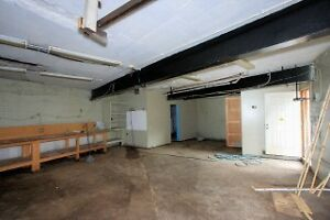 2 Bay Garage for automotive repair shop move in ready Cambridge Kitchener Area image 3