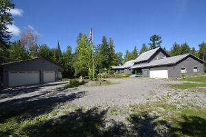 Limerick Lake Home - Mint Condition