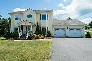 PRICED TO SELL! AMAZING 2 STOREY EXECUTIVE HOME