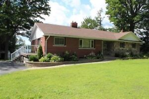 --BUCKHORN LAKE--  Waterfront/Cottage! Brad Sinclair Re/Max