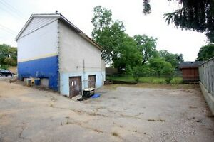 2 Bay Garage for automotive repair shop move in ready Cambridge Kitchener Area image 2