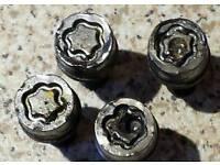 Wheel locking nut Removal