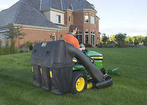 NEW PRICE: John Deere 14-bushel 3-bag rear Power Flow bagger.