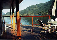 Elegant Waterfront Furnished Houses in Nelson BC