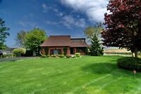 Beautiful waterfront home commuting distance to windsor!