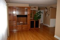 Great location! 3 bdrm main floor suite for rent in Mountview!