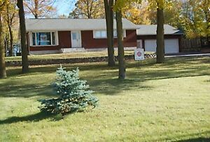 Impeccable All Brick Bungalow For Sale in the Town of Renfrew