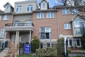 Beautiful bright spacious luxury townhome in downtown Galt!