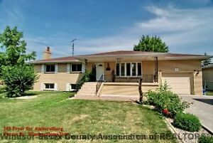 BRICK RANCH - AMHERSTBURG - NEW PRICE
