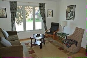 3 bedroom Semi close to schools, shopping and Express bus route
