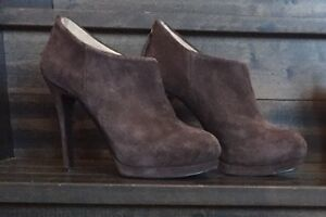 Nine West suede boots size 6