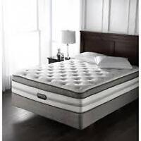 BRAND NEW... Simmons Beautyrest kingsize Chopin II mattress and