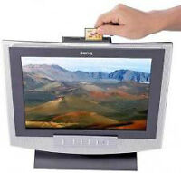 BENQ 15 inch LCD Monitor with built in speakers and card reader