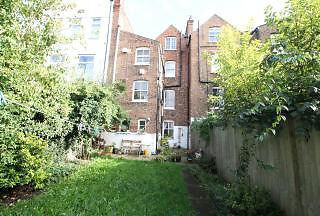 ALL UTILITY BILLS INC Beautiful 1 Bed apartment with Sprawling *Private Garden* Camden Kentish Town