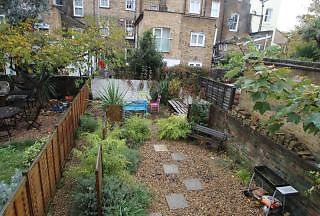 Spacious, Contempory 2 bed apartment, located in Holloway with Private Garden.