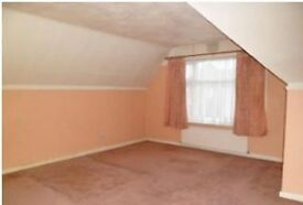 Amazing detached 2/3 bedroom fully furnished bungalow in Clayhall.