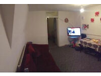 Spacious one bed apartment (Broadband and water included) Located close to Archway station