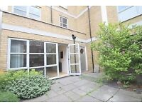 Amazing Three bedroom two bathroom three storey House in Bethnal Green E2! W/ Integrated appliances