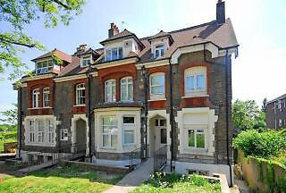 Contemporary, self contained studio in Crouch End.