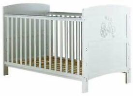 winnie the pooh white cot EXCELLENT CONDITION